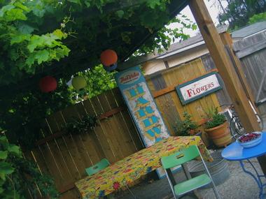 A_cheery_patio.detail