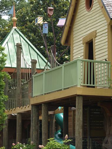 Large_bird_house.detail