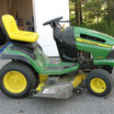Riding_lawn_mower.thumb